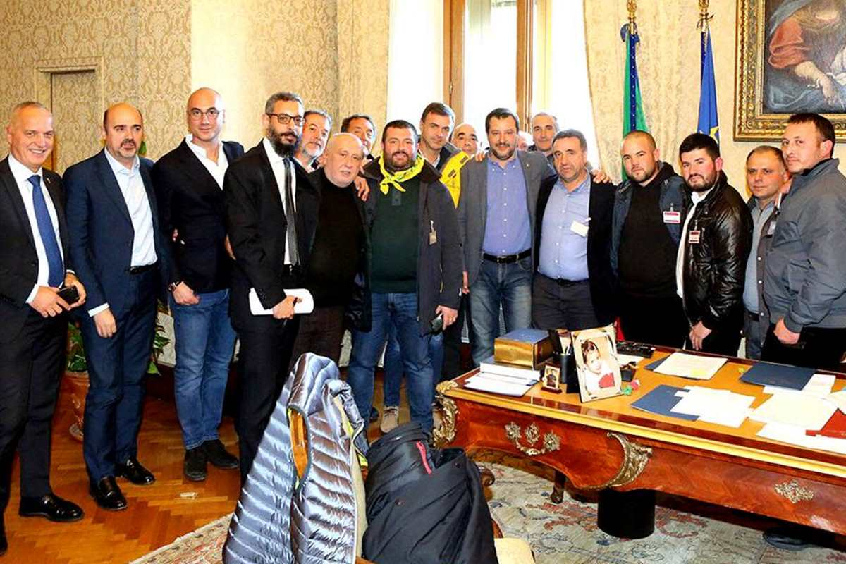 I Pastori Sardi portano la loro protesta e Roma e Salvini li sfrutta per farsi propaganda