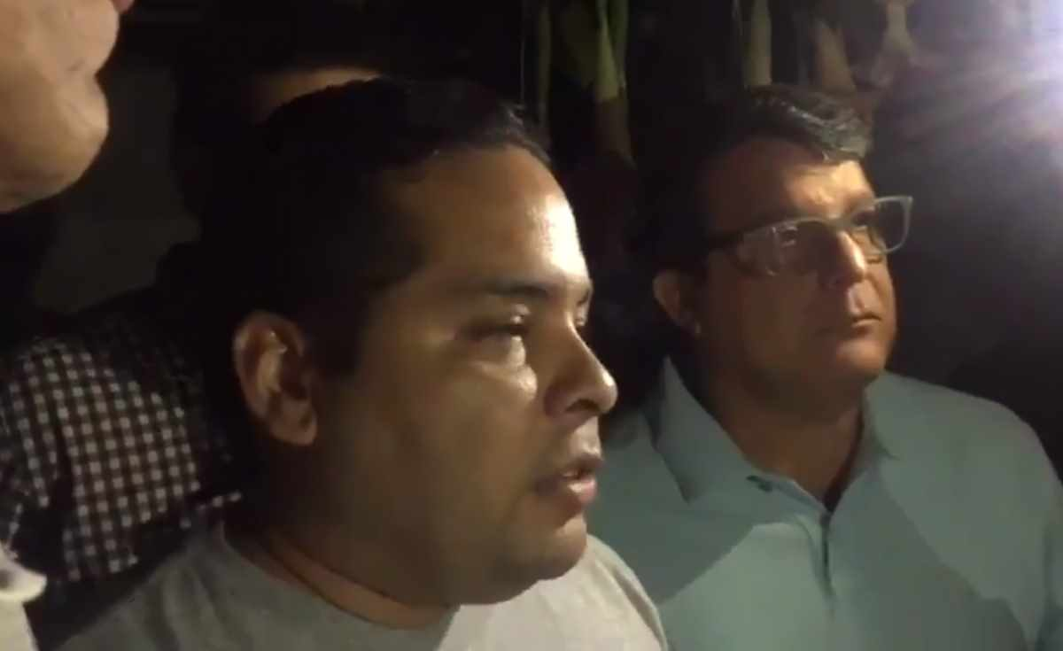 Agenti dell'intelligence venezuelana hanno fatto irruzione nelle case di due stretti collaboratori di Guaidó