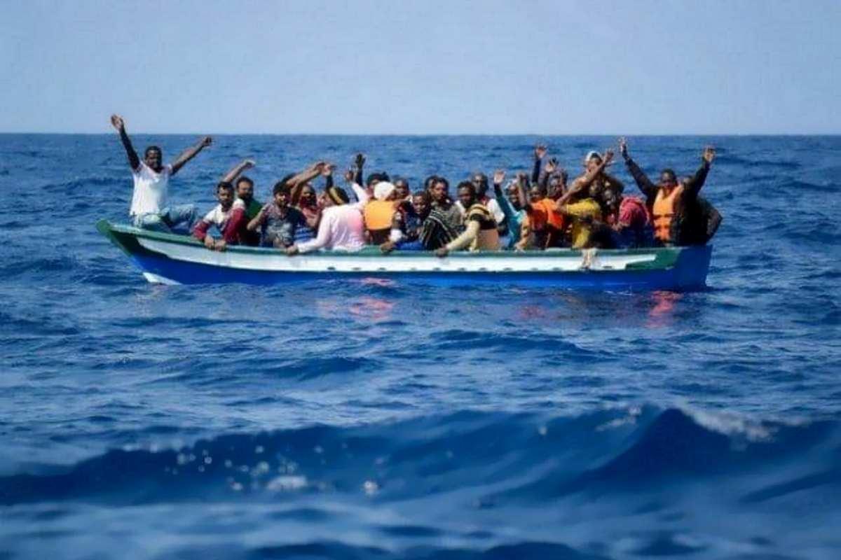 Sono stati i libici a salvare i 20 naufraghi per cui Alarm Phone aveva chiesto aiuto. Salvini: molto bene!