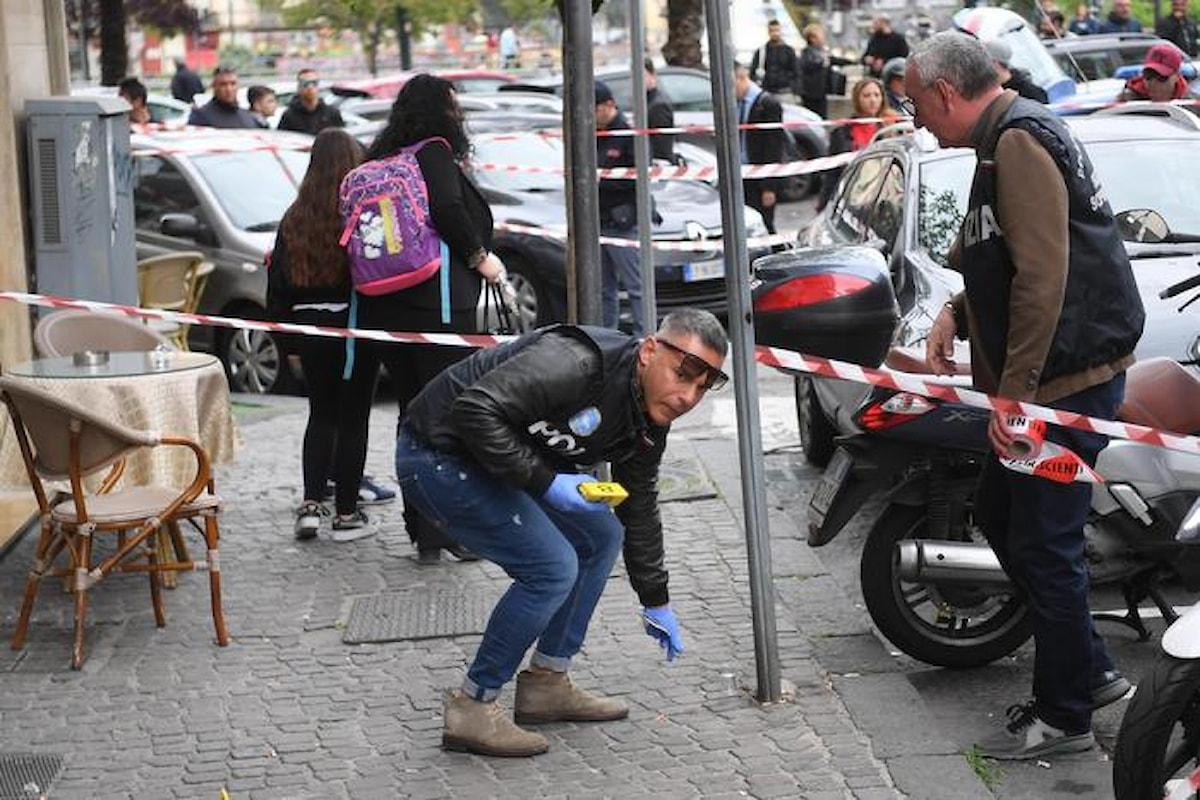 Napoli: spari in strada, ferita una bimba di tre anni