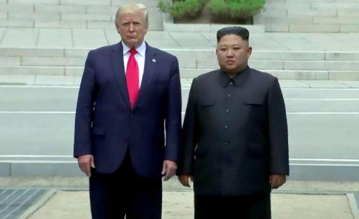 Trump, a sorpresa, incontra Kim Jong Un e mette un piede in Corea del Nord