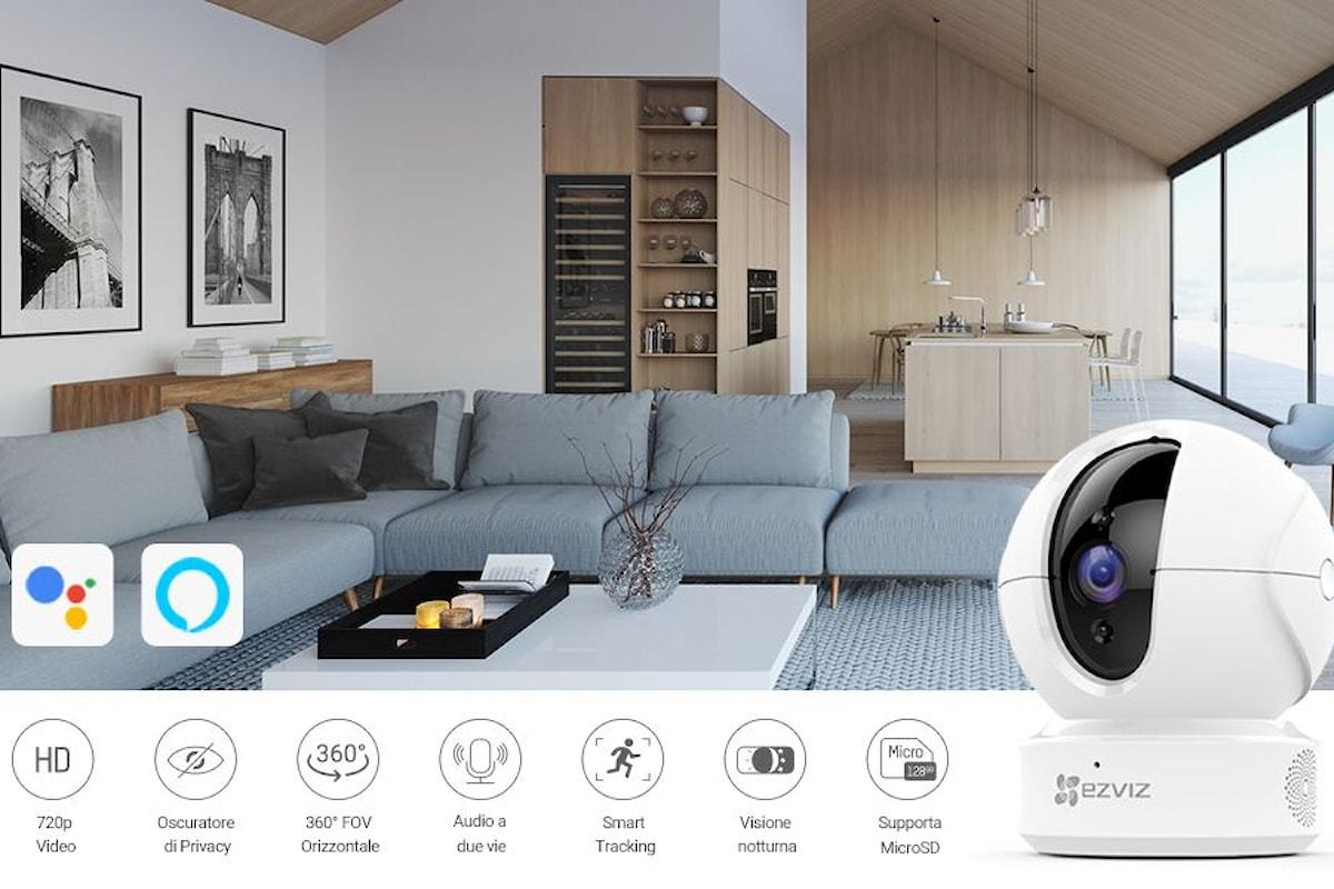 EZVIZ CTQ6C: la telecamera IP per interni compatibile con Alexa (ed Echo con display) e Google Assistant