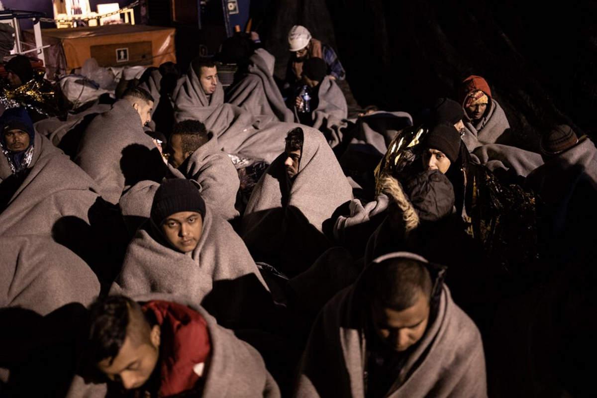 Oltre 100 i migranti a bordo di Sea-Watch 3 in attesa di un porto sicuro