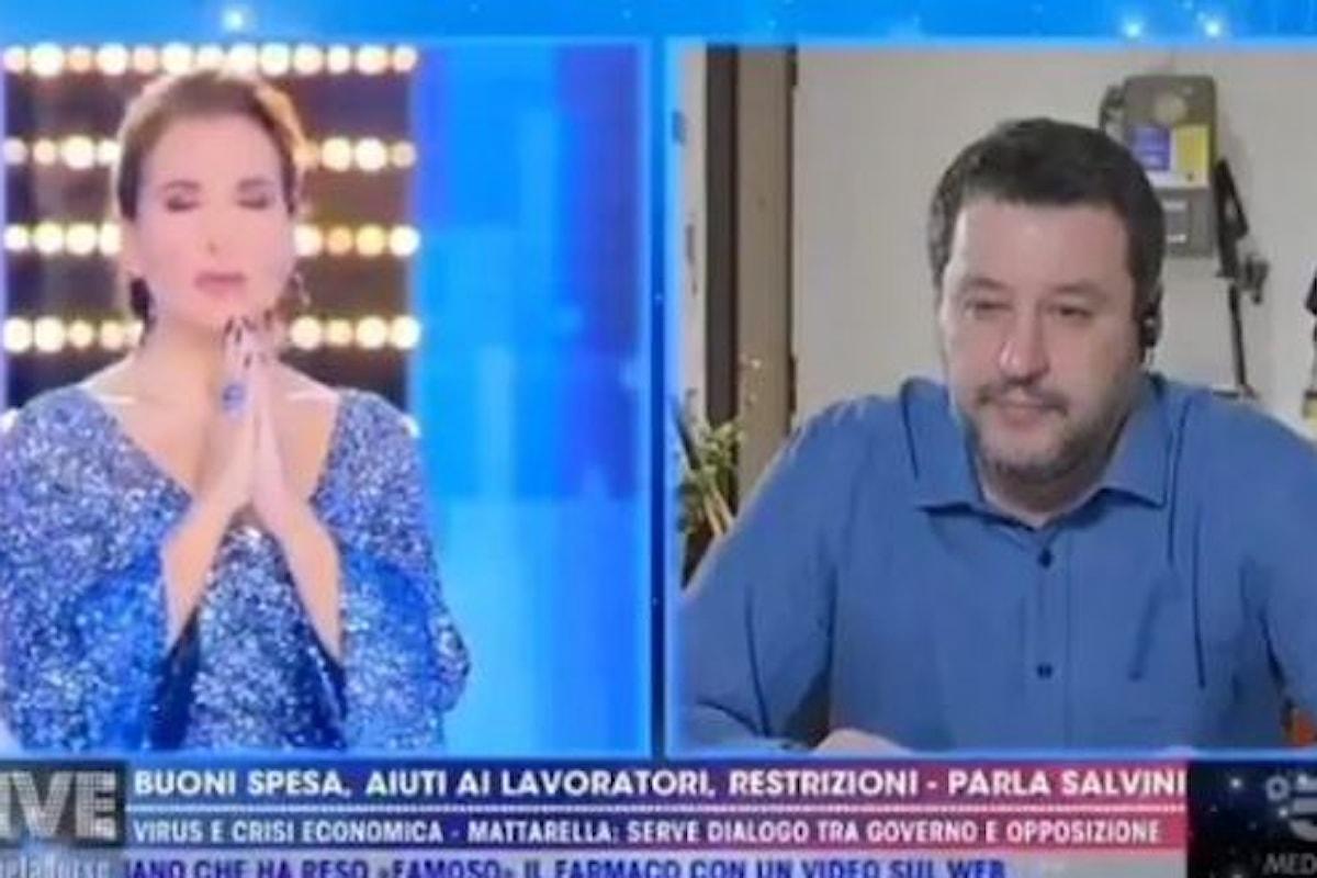 Fratello Salvini, Sorella D'Urso e la recita dell'Eterno Riposo in diretta tv