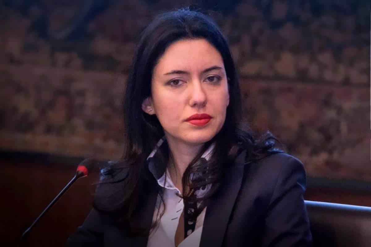 Anche alla ministra dell'Istruzione Azzolina è stata assegnata una scorta per le minacce ricevute