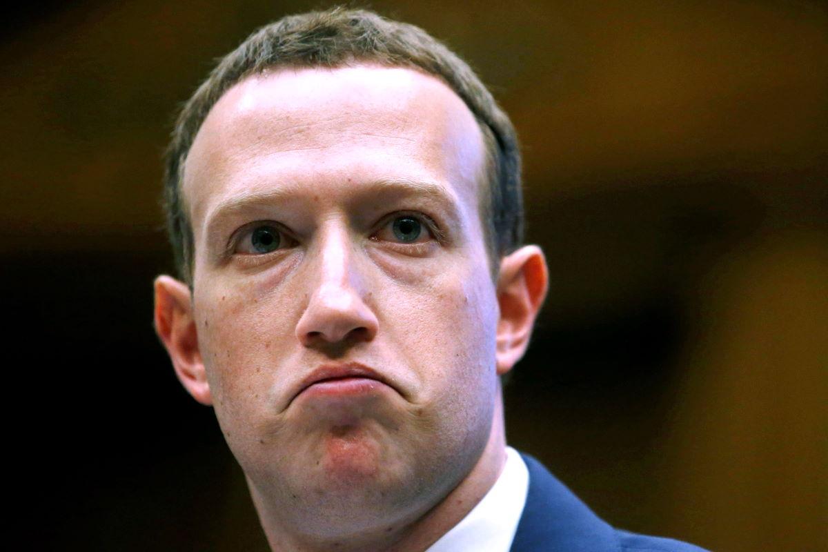 Basta odio! Gli investitori fuggono da Facebook e Zuckerberg cerca di correre ai ripari