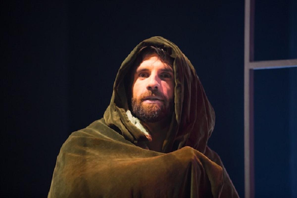 Al Festival del Teatro Medievale e Rinascimentale di Anagni, Thomas Becket celebrato con LA CAREZZA DEL FUOCO