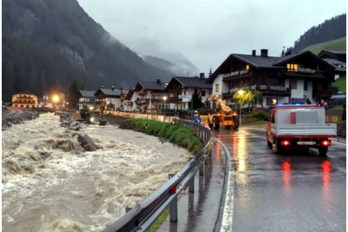 Meteo (ancora una volta) impazzito al Nord Italia: pioggia, grandine e tornadi