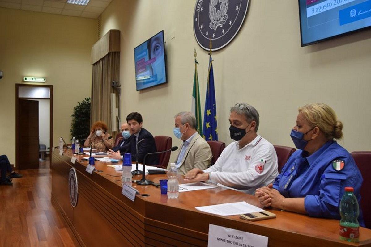 Primi risultati dell'indagine di sieroprevalenza: quasi 1,5 milioni gli italiani entrati in contatto con il coronavirus