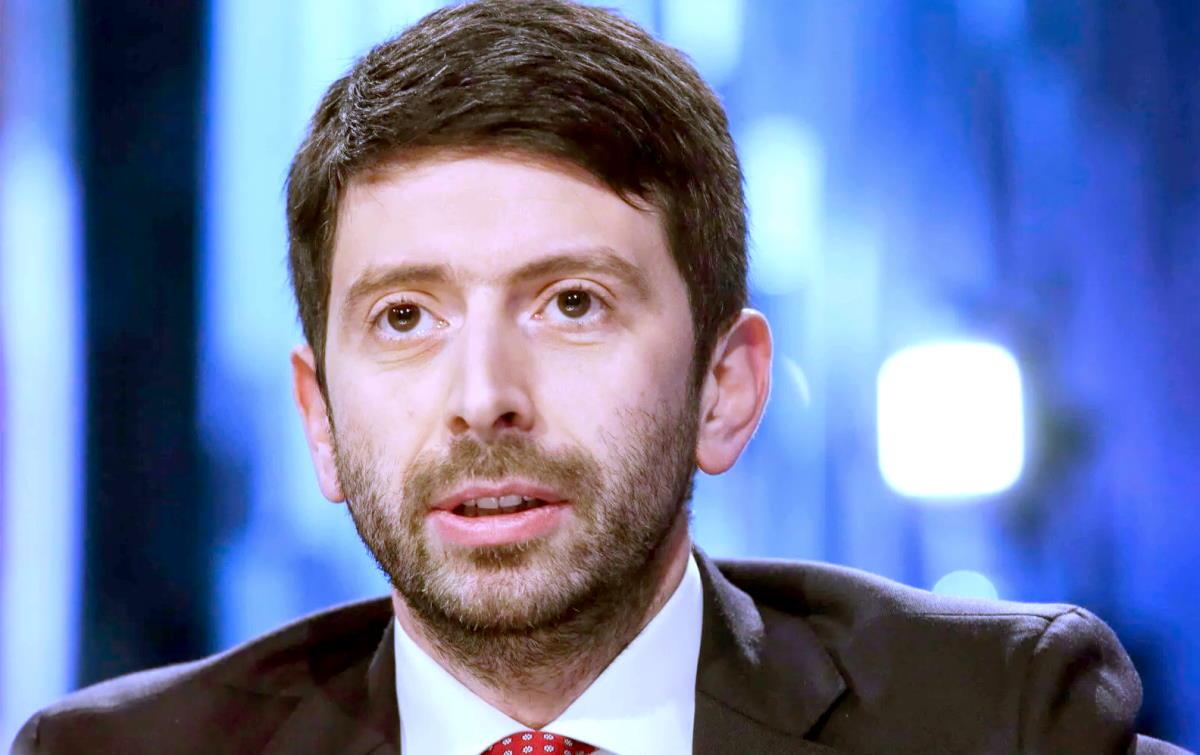 Roberto Speranza pubblica le nuove linee guida per l'uso della Ru486 contro la propaganda dell'estremismo di destra