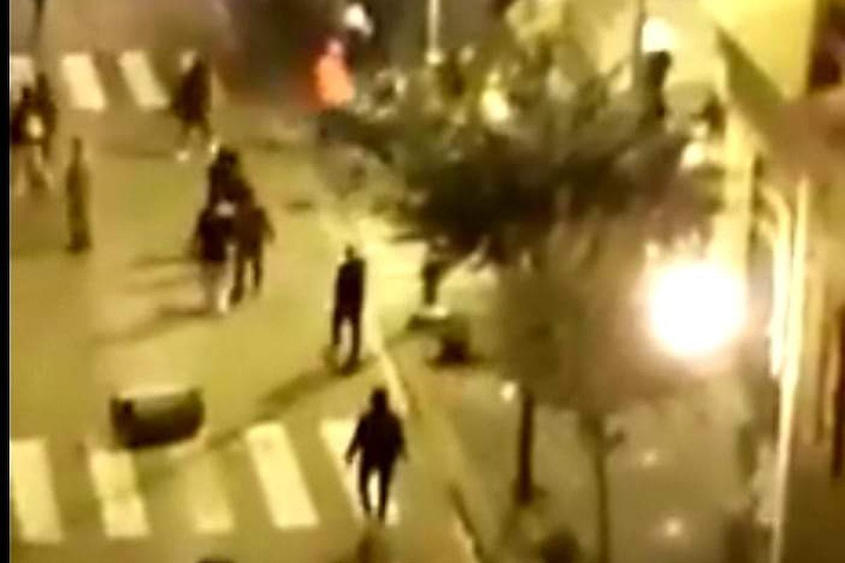 Covid, da Napoli a Salerno continuano le proteste contro De Luca