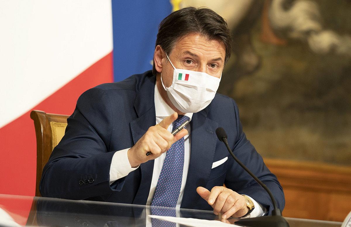 La conferenza stampa di Conte e il nuovo Dpcm firmato