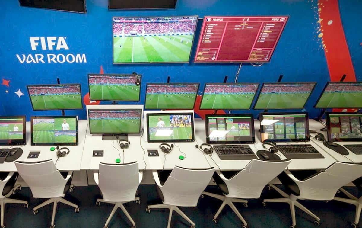 In remoto il Var di Siviglia - Chelsea, sarà la prima volta in Champions League