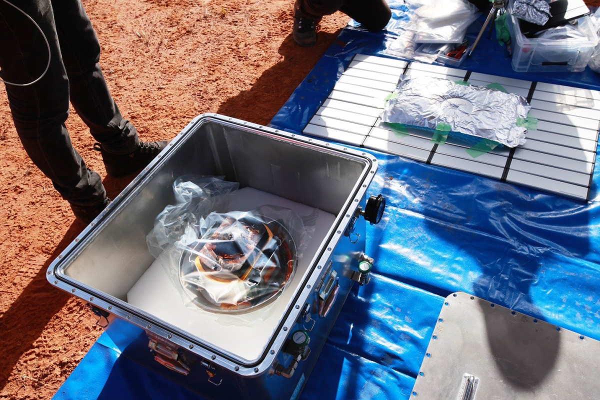 È giunta oggi sulla terra la capsula della della sonda giapponese Hayabusa 2 dopo un viaggio di 5 miliardi e 273 milioni di chilometri