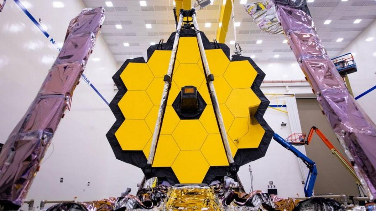 Quest'anno verrà lanciato il telescopio spaziale James Webb, il più grande mai costruito