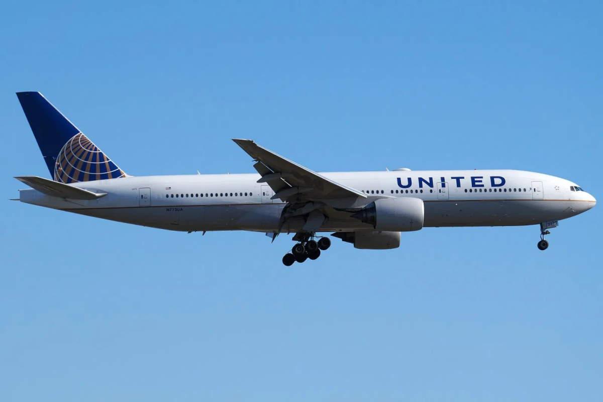Dopo l'incidente di Denver a terra tutti i Boeing 777 con motori PW4000