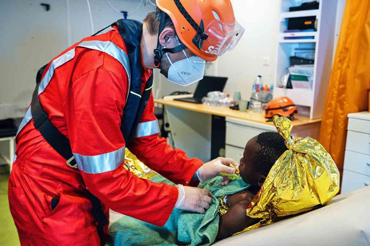 Salvate 400 persone dalla Sea-Eye 4 nella sua prima missione nel Mediterraneo Centrale