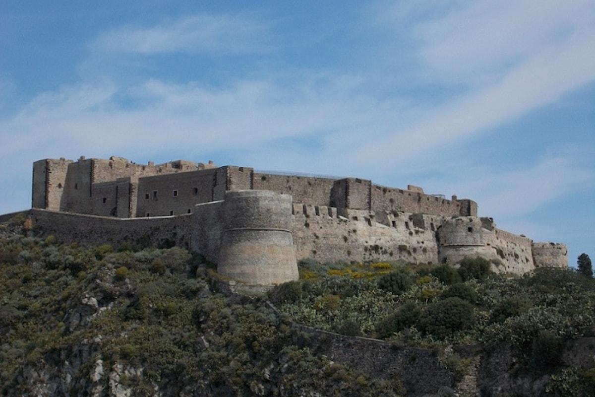 Milazzo (ME) - Ripresi i lavori di consolidamento della parete rocciosa del Castello