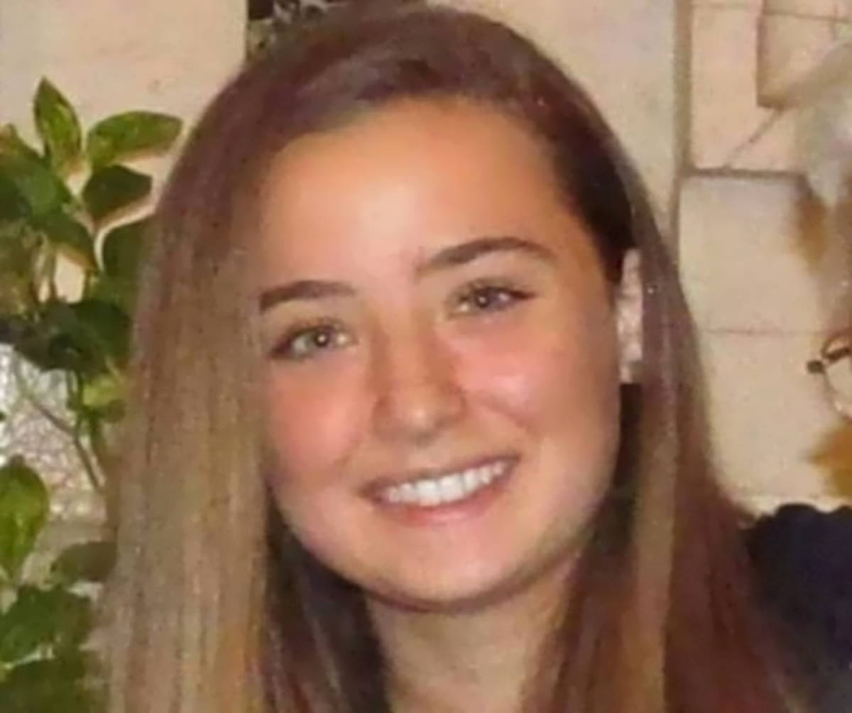 Le raccomandazioni mancate sull'utilizzo di AstraZeneca hanno portato alla morte di una 18enne
