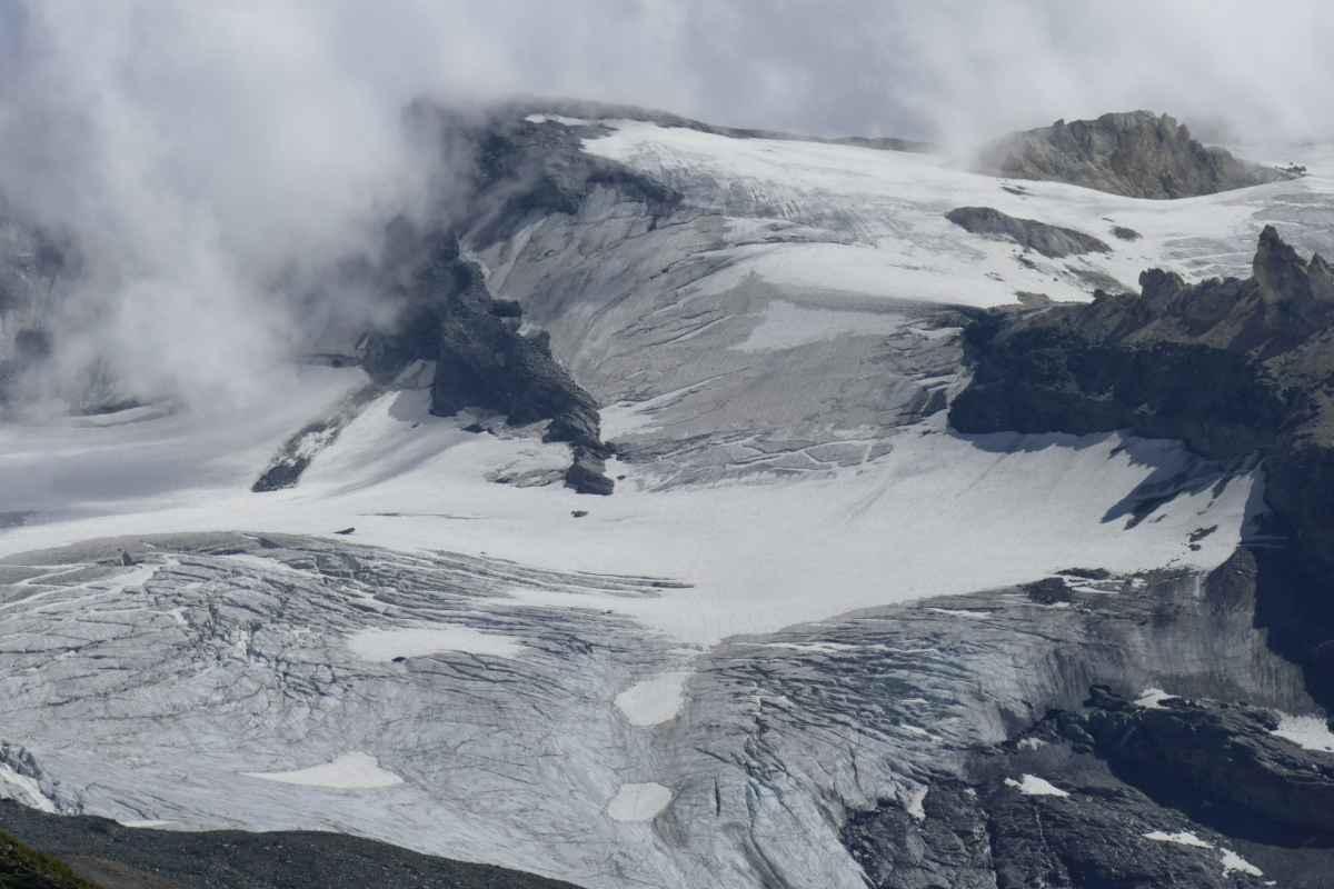 Quattromila metri - Ennesimo gravissimo incidente di montagna