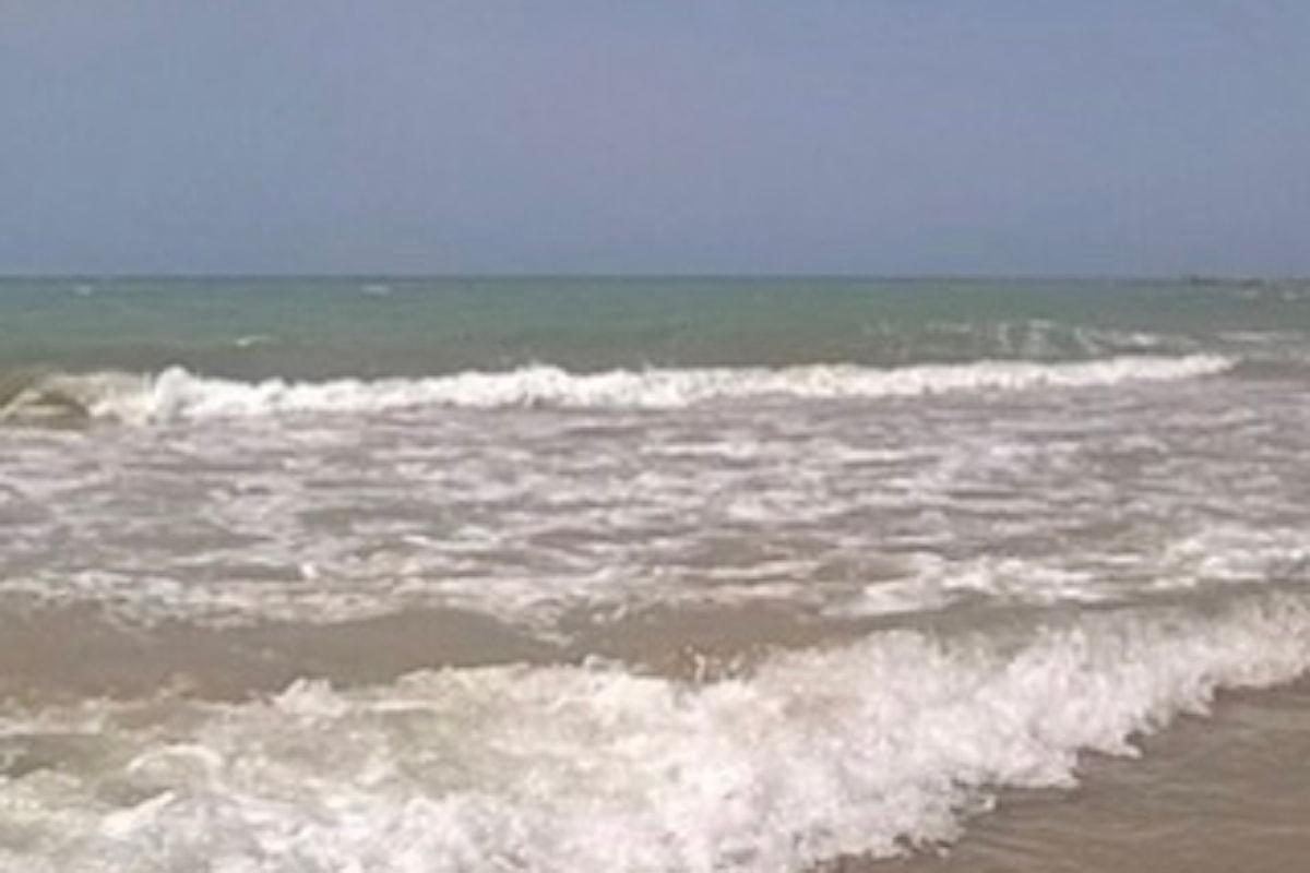 Giornata impegnativa per i bagnini in servizio a Pescara Sud: c'è stato anche un salvataggio