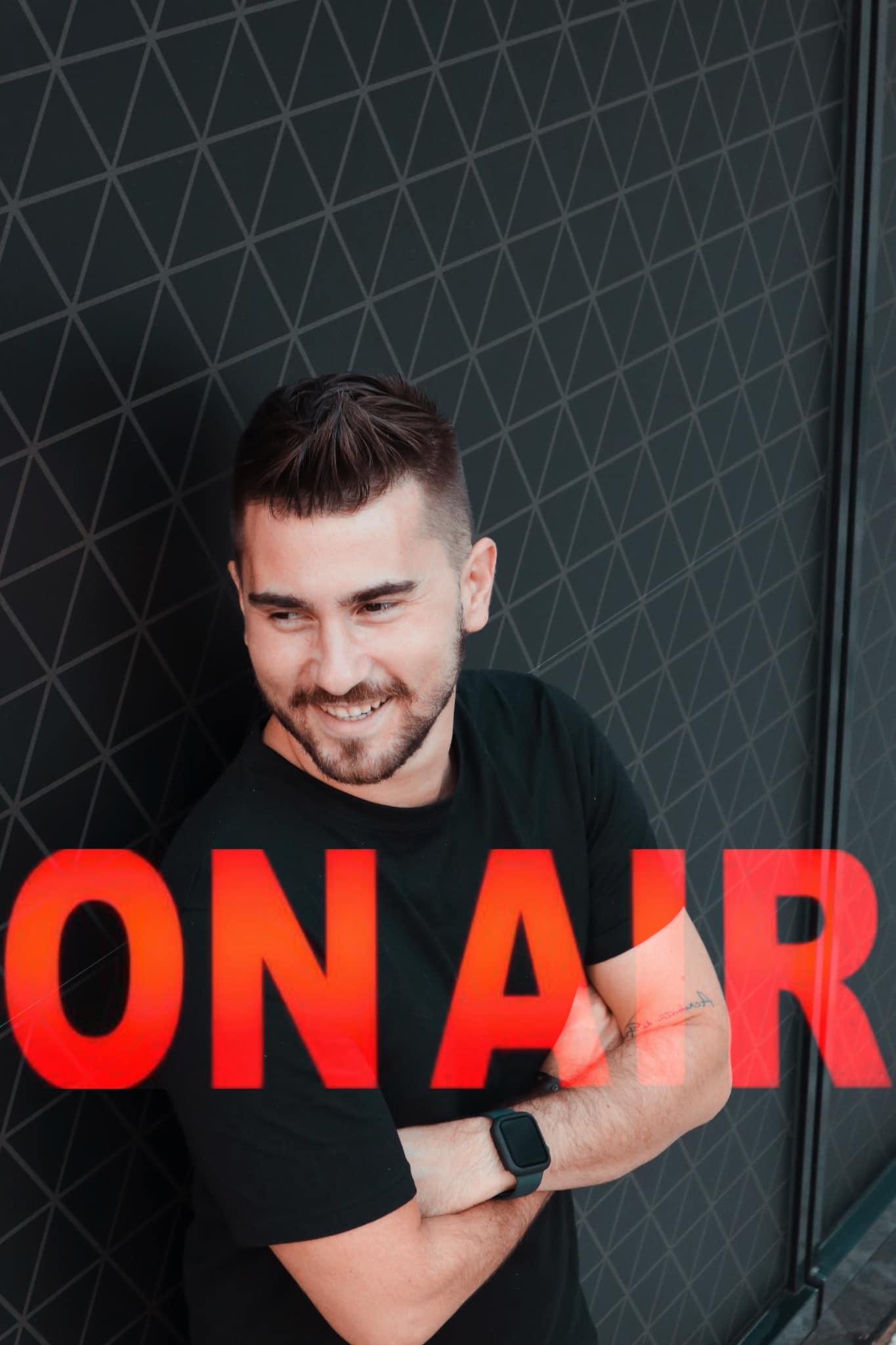 Andrea Candolfo - In Diretta alla prima puntata di Cantiamo alla Radio su Radio Cantù