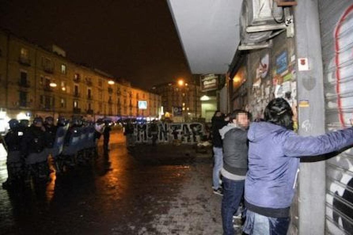 Napoli: guerriglia in strada contro Casapound, una serata da dimenticare