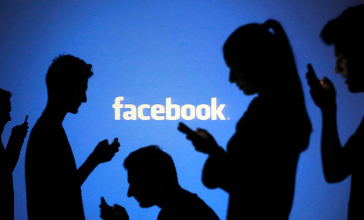 Facebook Messenger si aggiorna su Windows 10 | Surface Phone Italia