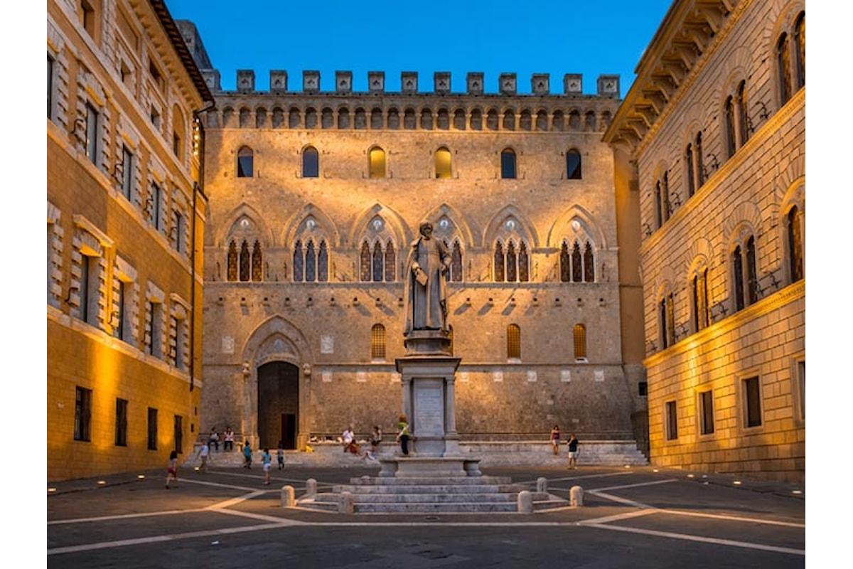 http://www.viverelatoscana.it/piazza-e-palazzo-salimbeni-di-siena/