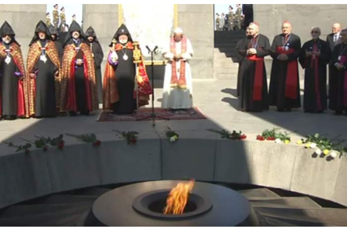 Papa Francesco visita il Memoriale di Tzitzernakaberd