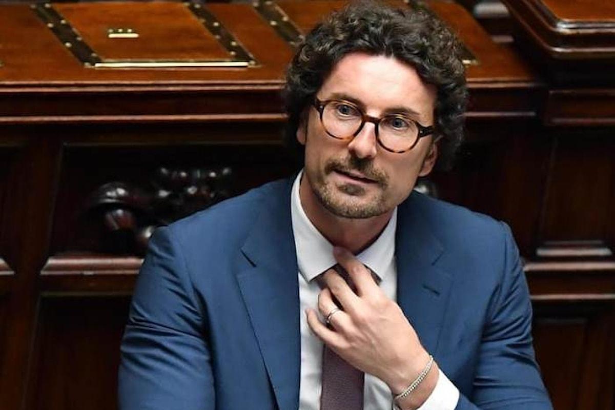 Toninelli riferisce alla Camera sul crollo del ponte Morandi e denuncia pressioni perché gli atti della concessione non fossero resi pubblici