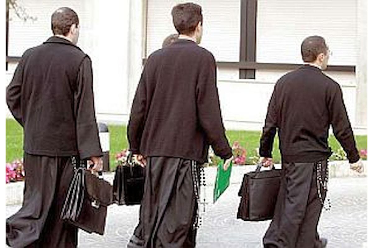 Un vescovo coraggioso riaccolga i preti sposati e ordini uomini sposati al sacerdozio. Vaticano e Papa non sarebbero contrari