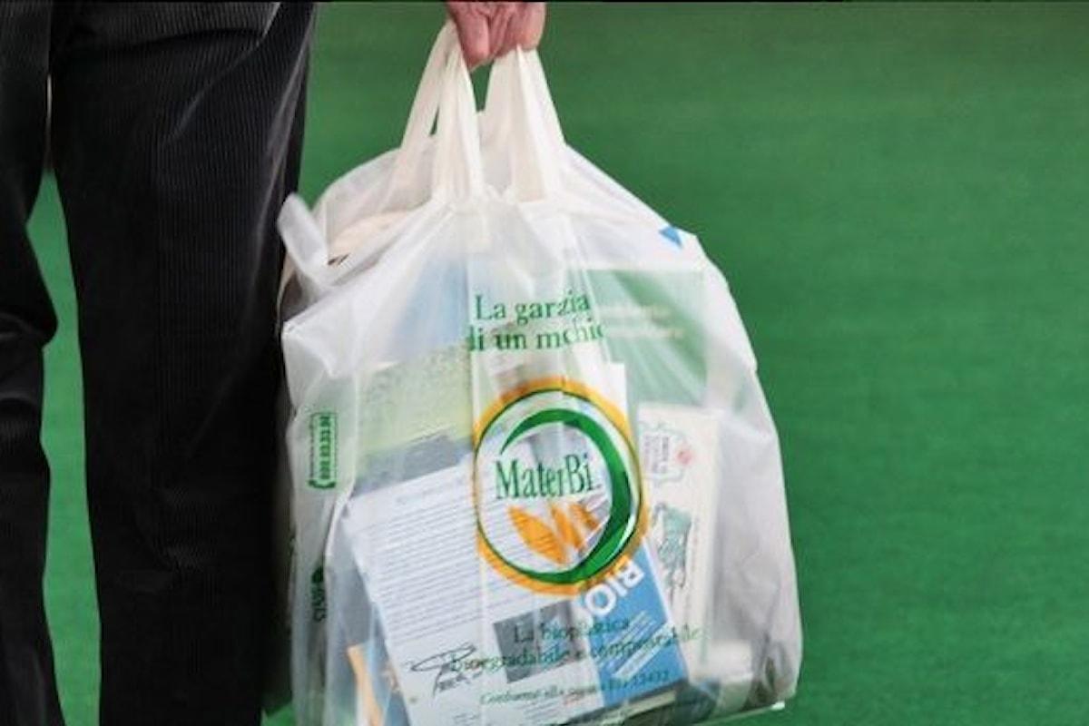 I sacchetti biodegradabili per la spesa si potranno portare da casa