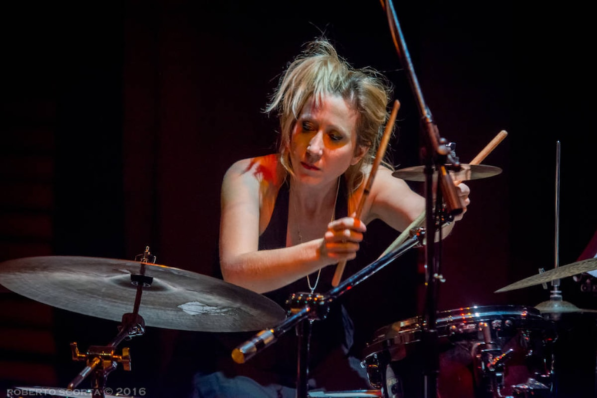 Cecilia Sanchietti, la batteria jazz al femminile dal vivo all'Elegance