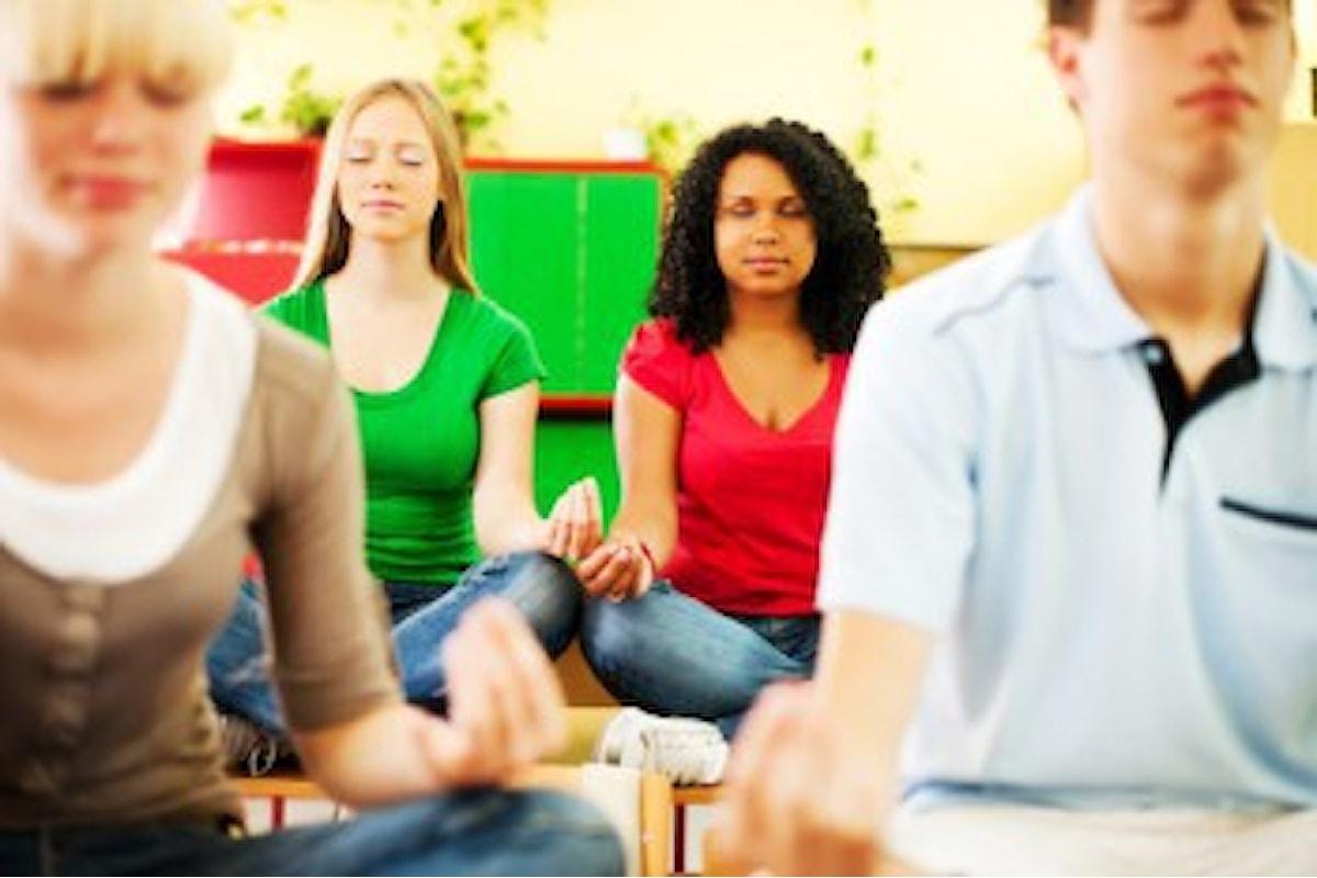 Adolescenti che si autoconoscono e meditano