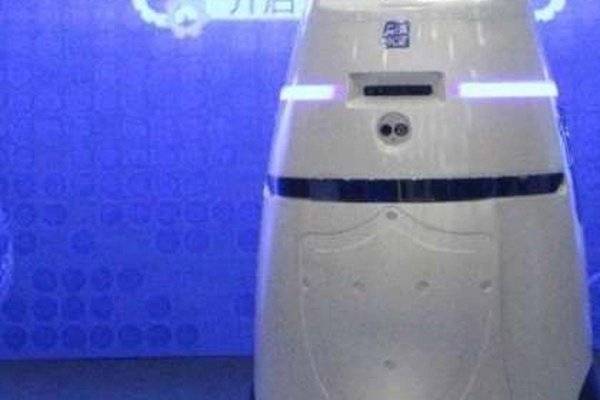Il regime cinese presenta i primi robot armati