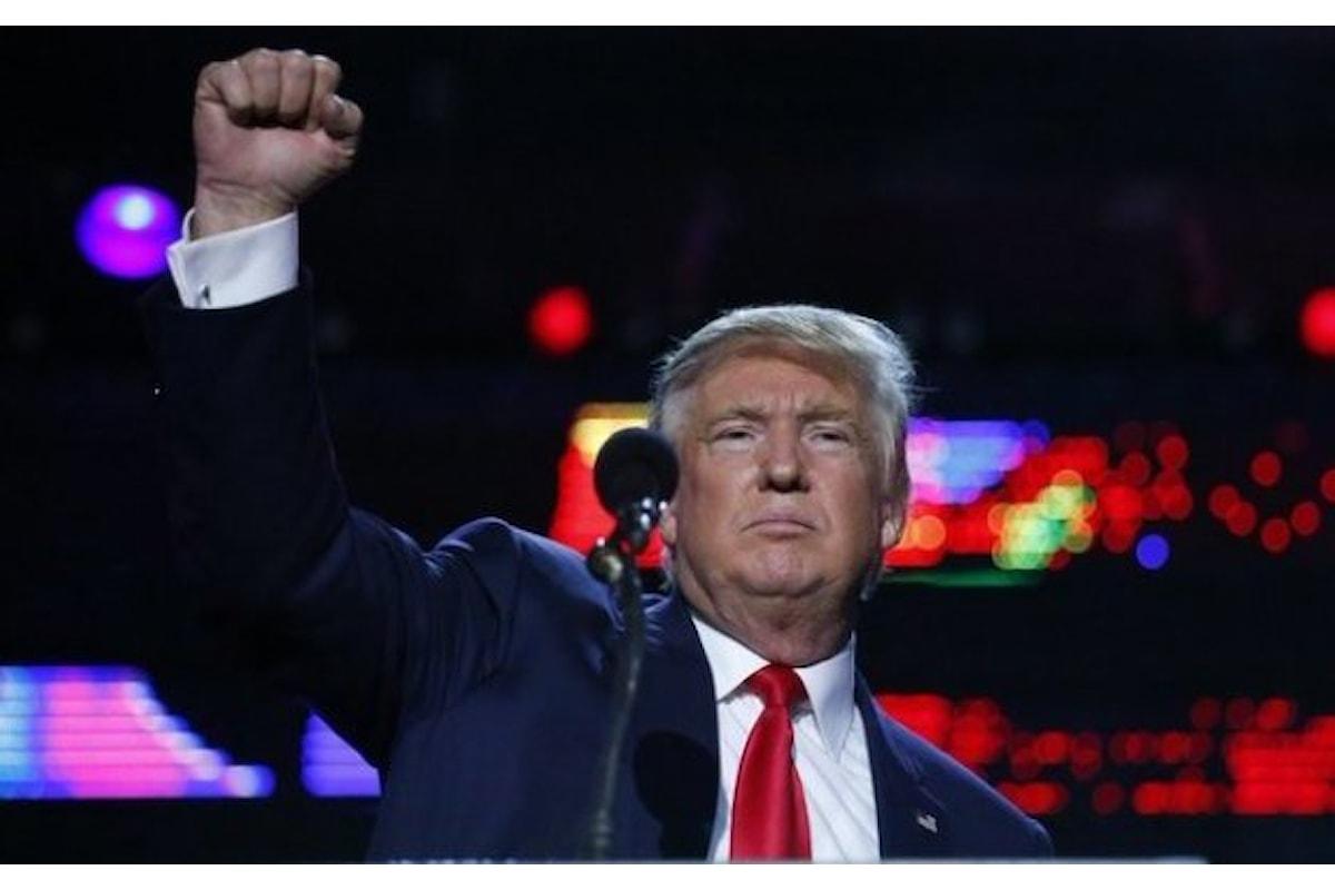 Lobbies e Ku Klux Klan brindano al Presidente Trump